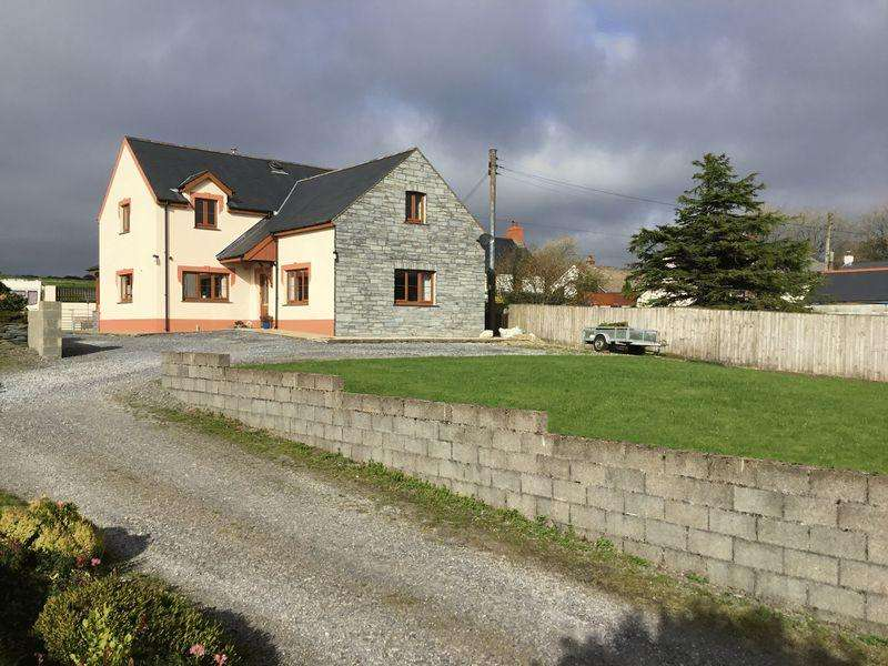 4 Bedrooms Detached House for sale in Hermon, Glogue