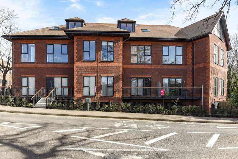 1 Bedroom Apartment Flat for sale in Mulberry House, Wokingham, RG40