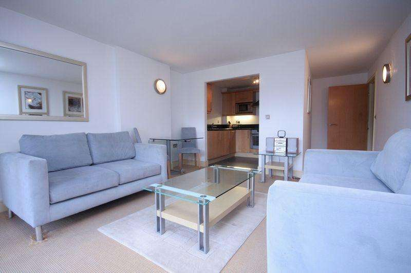 2 Bedrooms Flat for sale in Canary Central, Cassilis Road, London E14