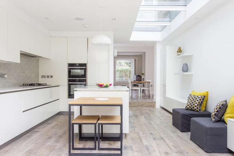 4 Bedrooms Terraced House for sale in Castlehaven Road, Camden NW1