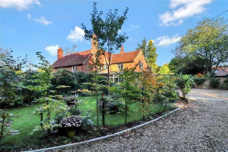4 Bedrooms House for sale in Holly Hedges Lane, Bovingdon, Hemel Hempstead, HP3