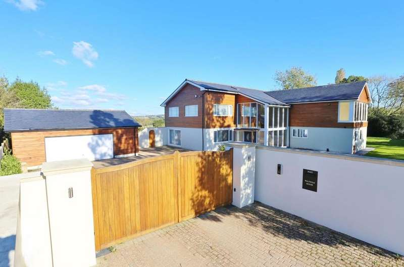 5 Bedrooms Detached House for sale in Waltham Chase, Southampton