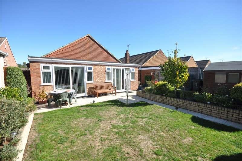 4 Bedrooms Detached Bungalow for sale in Medina Way, Swindon, Wiltshire, SN2