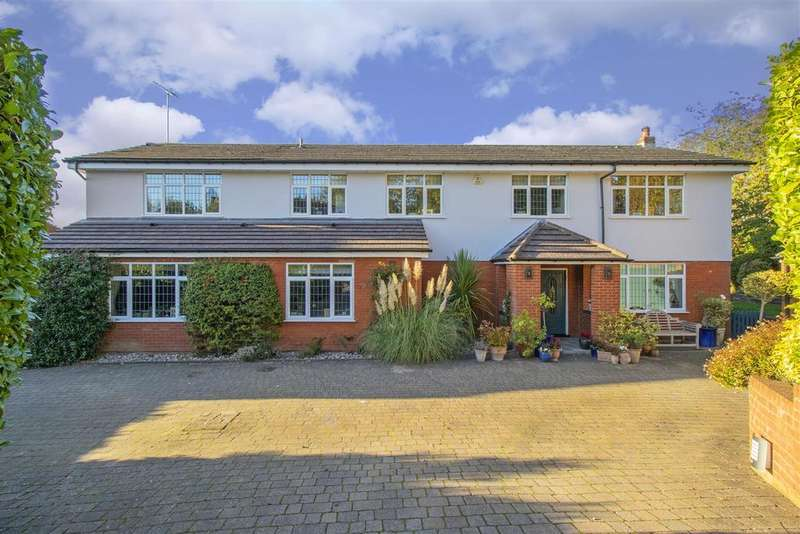 5 Bedrooms Detached House for sale in The Drive, Radlettt