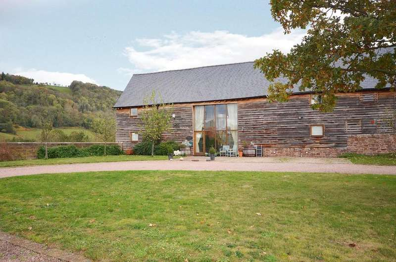 5 Bedrooms Barn Conversion Character Property for sale in Bredwardine, Herefordshire