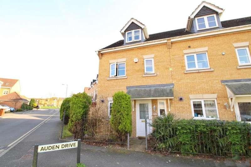 3 Bedrooms Semi Detached House for sale in Coleridge Way, Borehamwood