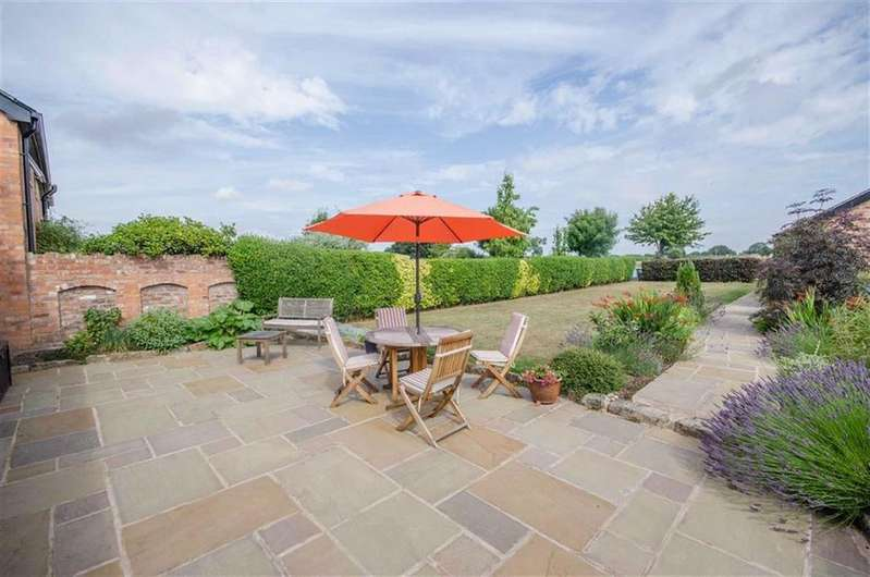 4 Bedrooms Barn Conversion Character Property for sale in Sheaf Farm Court, Tarvin, Chester, Tarvin