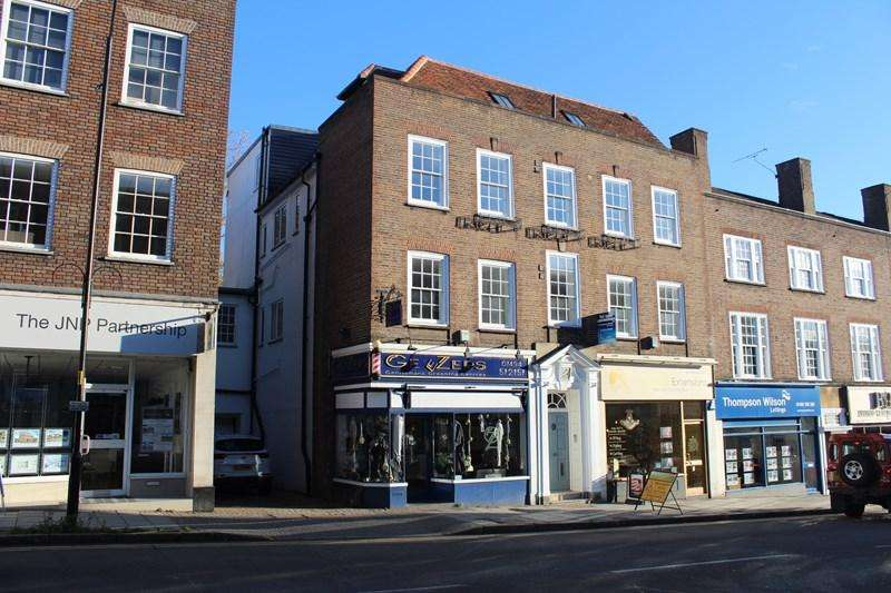 2 Bedrooms Apartment Flat for sale in Crendon Street, High Wycombe