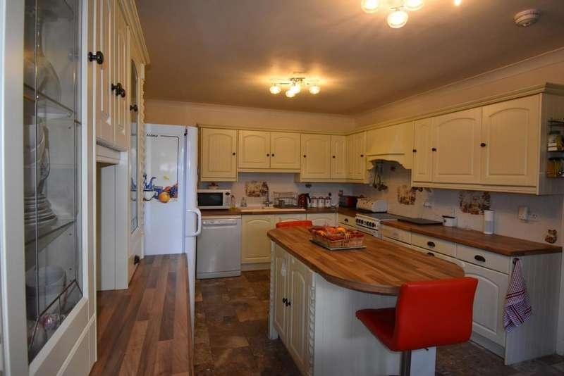 5 Bedrooms Bungalow for sale in Egerton Avenue Swanley BR8