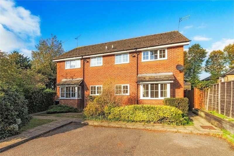 1 Bedroom End Of Terrace House for sale in Old Fives Court, Burnham, Buckinghamshire
