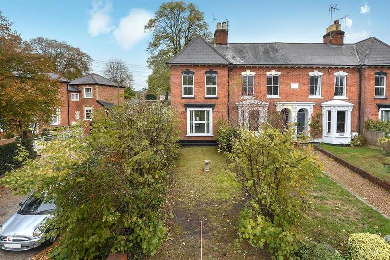 3 Bedrooms End Of Terrace House for sale in Milton Road, Wokingham, Berkshire RG40 1DE
