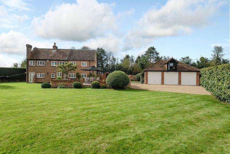3 Bedrooms Detached House for sale in Littlewick Green.