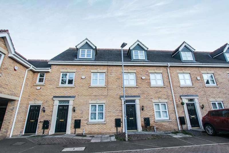 3 Bedrooms Town House for sale in Riseholme Close, Leicester, LE3