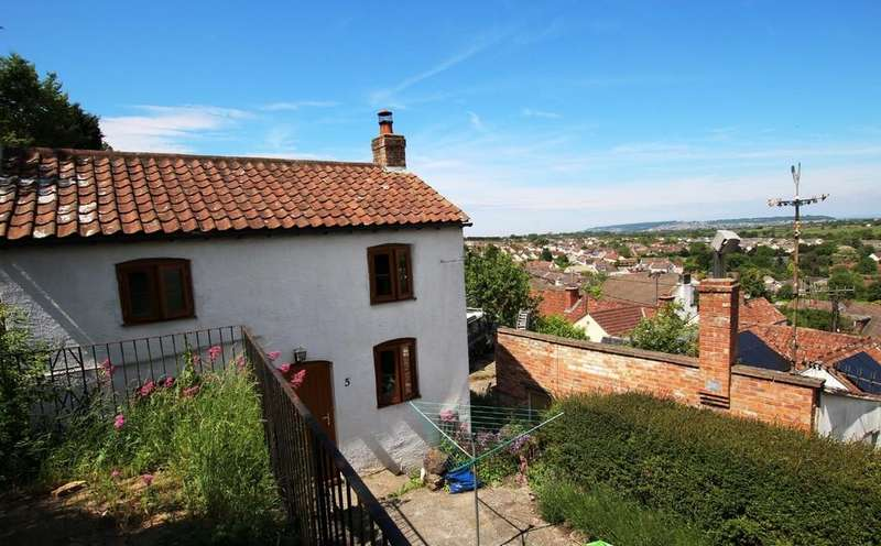 2 Bedrooms Detached House for sale in Detached character cottage with stunning views