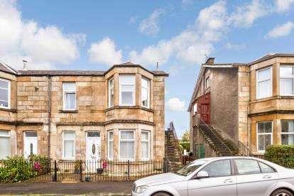 3 Bedrooms Flat for sale in Grant Street, Greenock