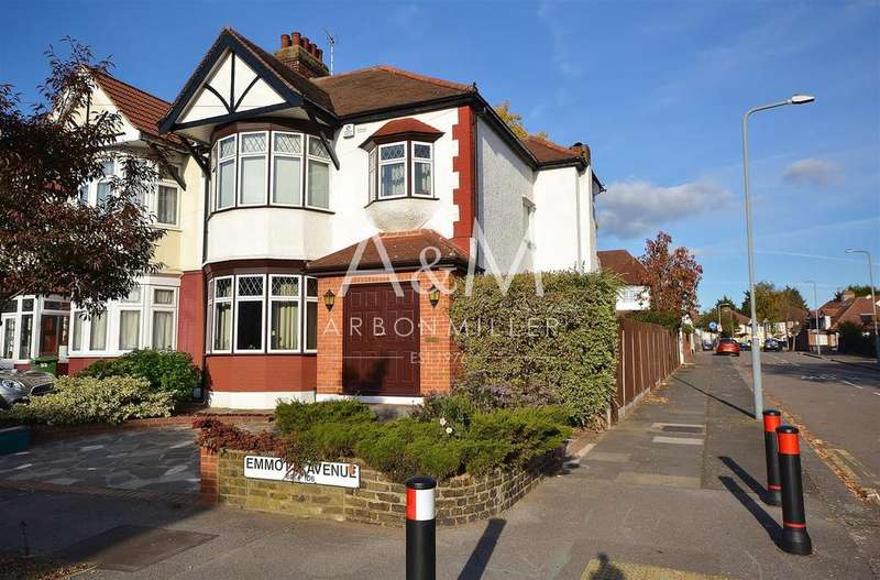 3 Bedrooms Semi Detached House for sale in Emmott Avenue, Barkingside