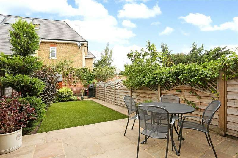 3 Bedrooms Terraced House for sale in Victor Road, Windsor, Berkshire, SL4
