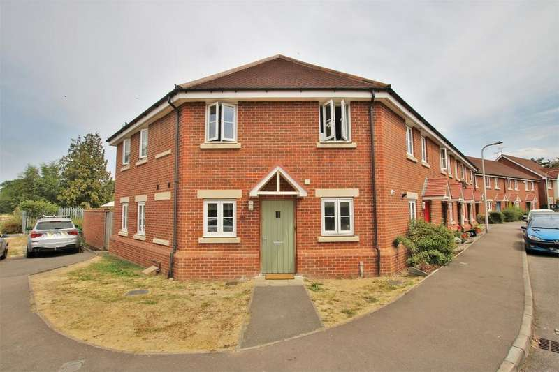 3 Bedrooms End Of Terrace House for sale in Wheatsheaf Close, Sindlesham, WOKINGHAM, Berkshire