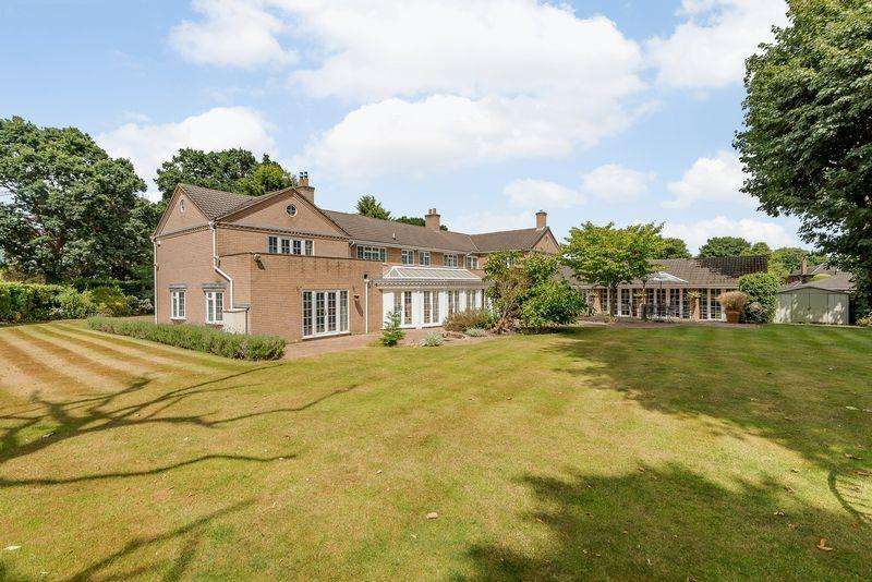 5 Bedrooms Detached House for sale in Bunbury, Nr. Taporley