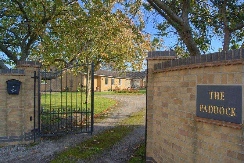 4 Bedrooms Detached Bungalow for sale in Main Street, Coddington