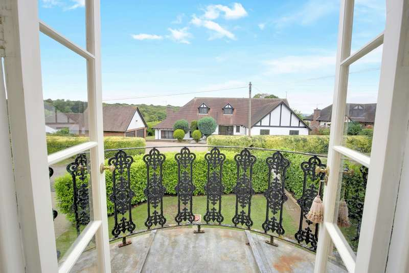 4 Bedrooms Detached House for sale in Farm End,