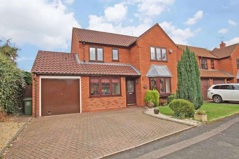 4 Bedrooms Property for sale in Otter Close Winyates Green, Redditch