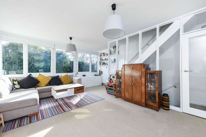 4 Bedrooms Terraced House for sale in Buckleigh Way, London