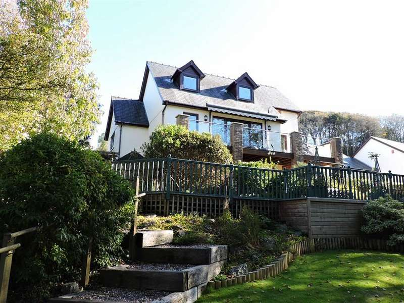 5 Bedrooms Detached House for sale in Caradog Court, Ferryside