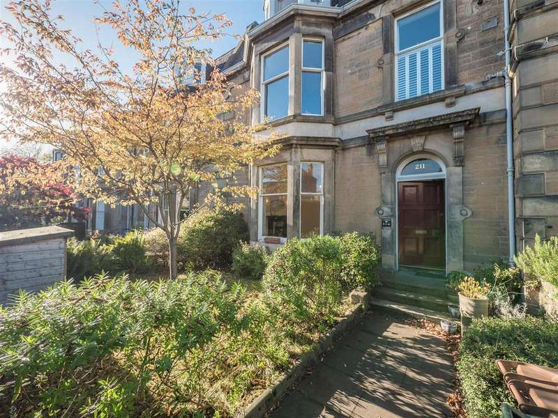 3 Bedrooms Ground Flat for sale in 211/1 Newhaven Road, Edinburgh, EH6 4QD