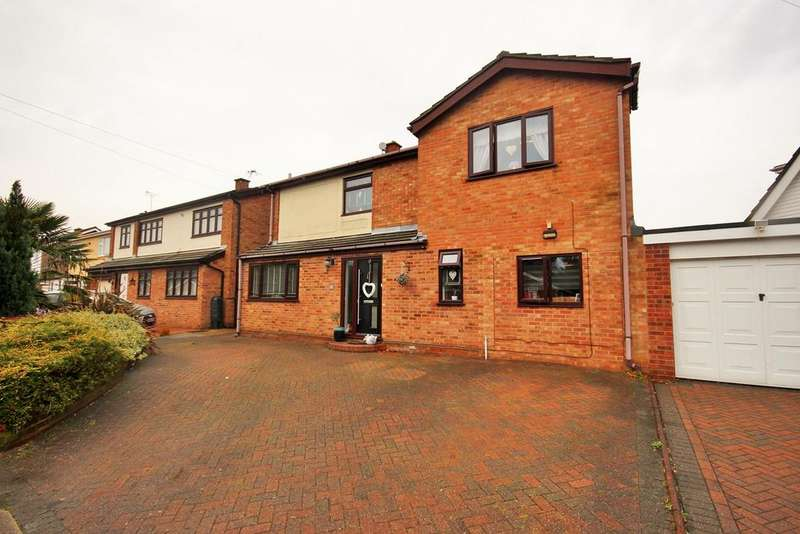 5 Bedrooms Detached House for sale in St Monance Way, Colchester, CO4