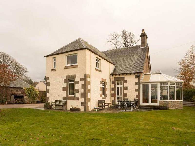3 Bedrooms House for sale in Townhead, Coupar Angus,