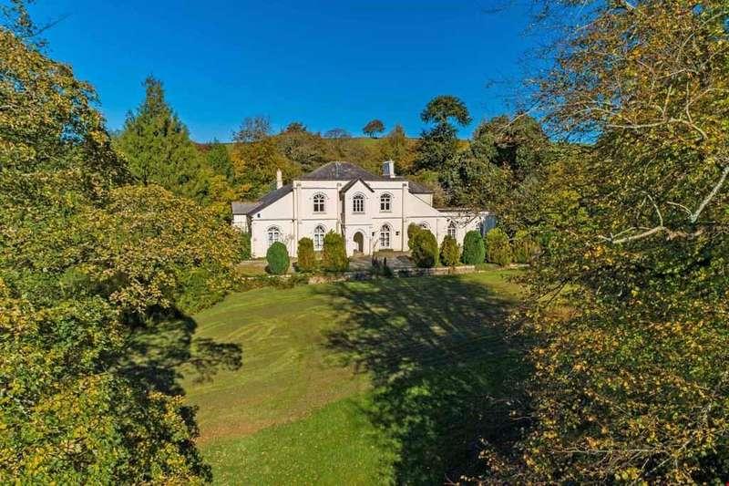 5 Bedrooms Detached House for sale in Moorswater, Nr. Liskeard, Cornwall, PL14