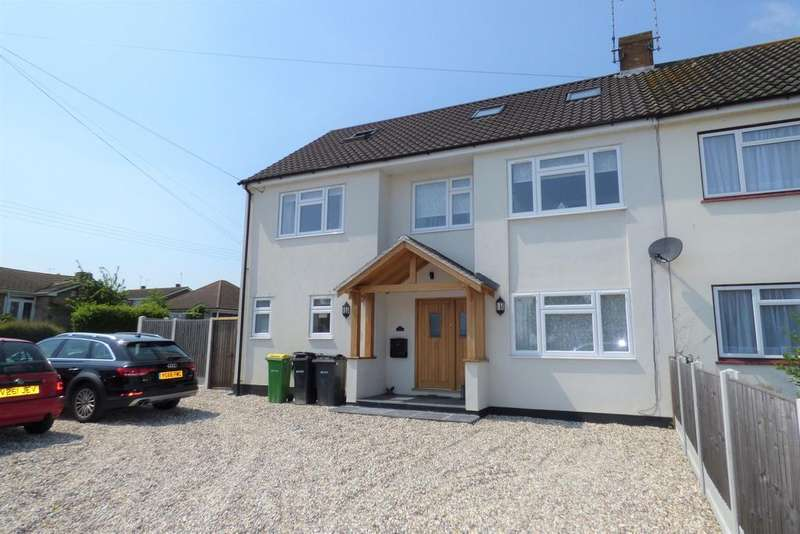 5 Bedrooms House for sale in The Chase, Rayleigh, Essex