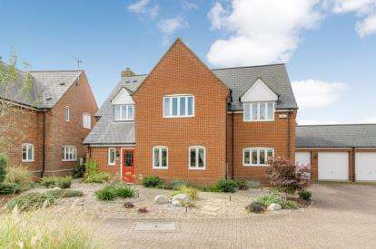 4 Bedrooms Detached House for sale in Lewenscroft, Astwood, Newport Pagnell
