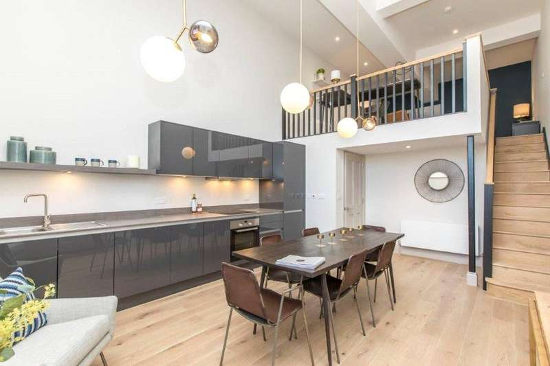 3 Bedrooms Flat for sale in Apartment B08 Loft House, College Road, Bishopston, Bristol, BS7