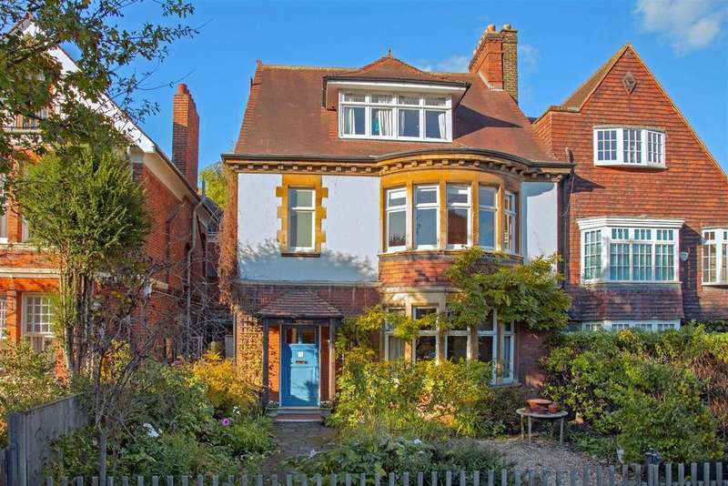 6 Bedrooms Semi Detached House for sale in St. Albans Road, London