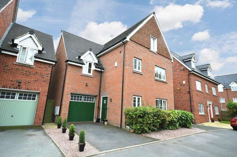 4 Bedrooms Detached House for sale in Farcroft Close, Lymm