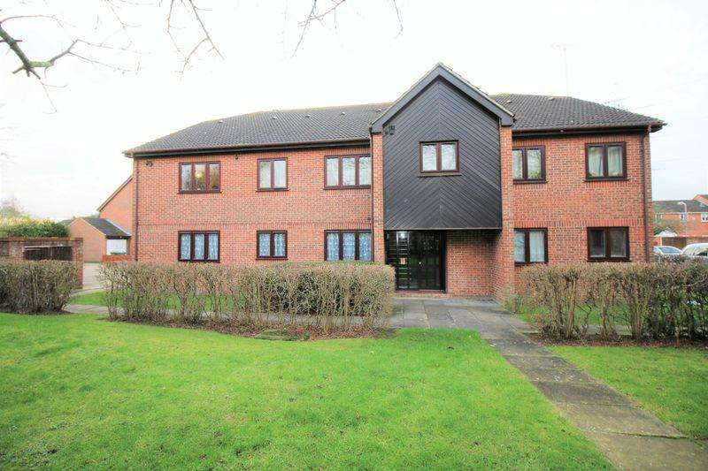 2 Bedrooms Apartment Flat for sale in Aylesbury