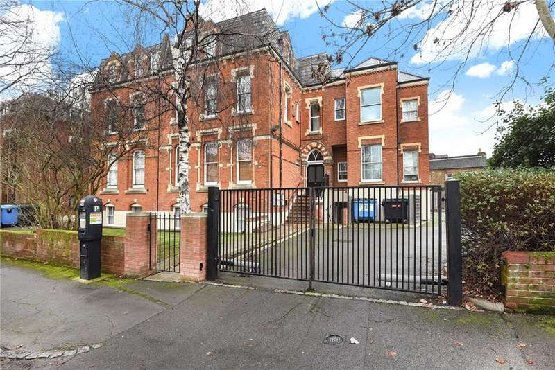 1 Bedroom Flat for sale in Ridings House, 66-68 Alma Road, Windsor, Berkshire, SL4