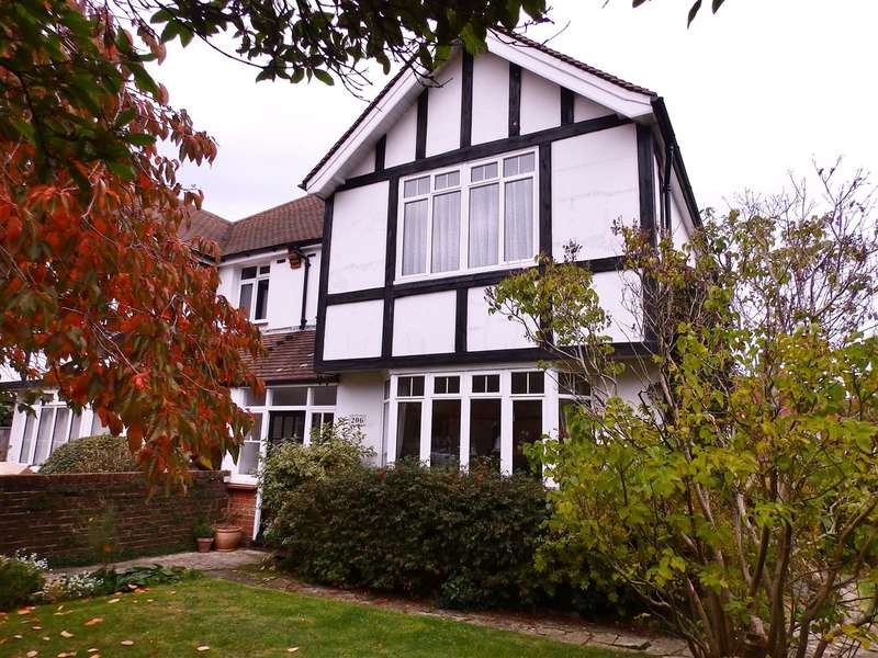 4 Bedrooms Semi Detached House for sale in Victoria Drive, Eastbourne