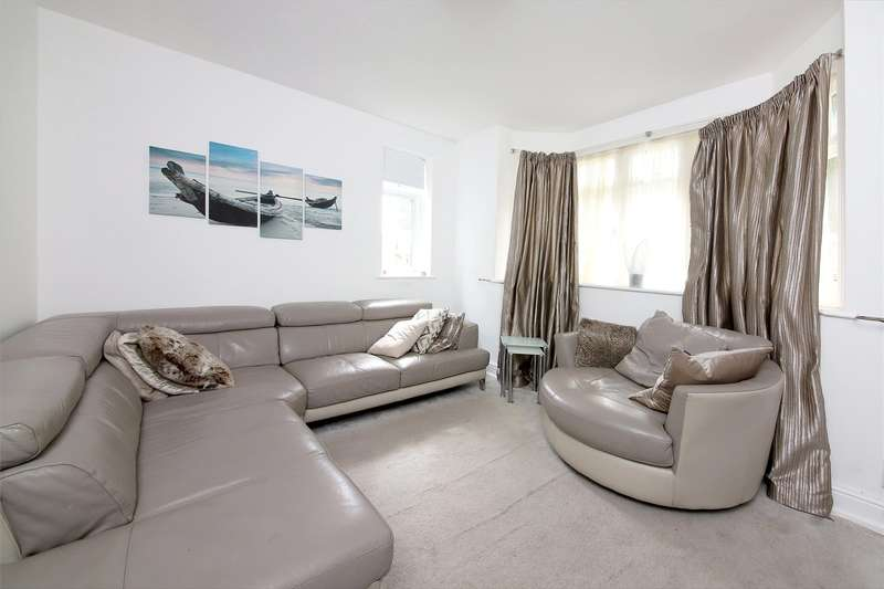 3 Bedrooms Detached House for sale in Dale Park Road, London