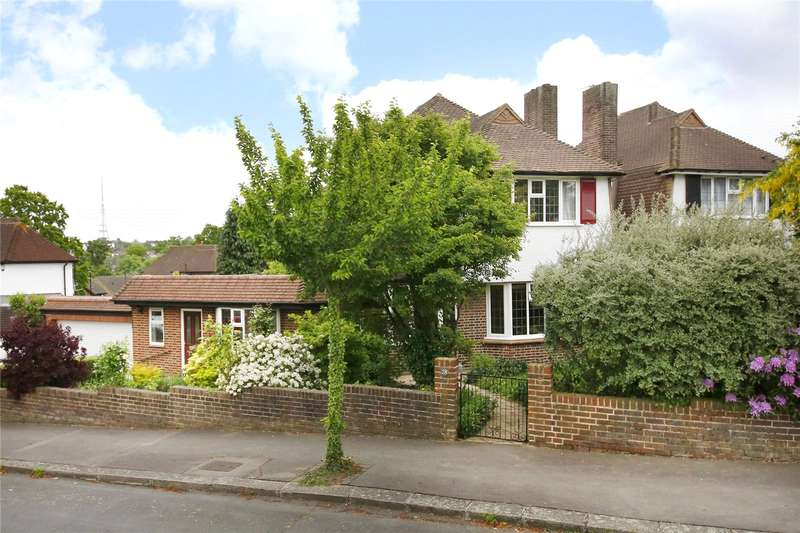 3 Bedrooms Detached House for sale in Pytchley Crescent, Crystal Palace