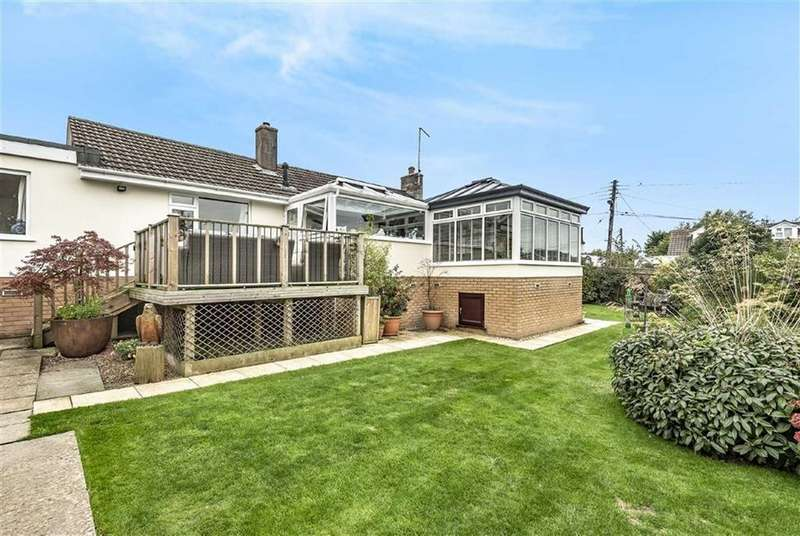 3 Bedrooms Bungalow for sale in 1 Old Rectory Close, Instow, Bideford, Devon, EX39