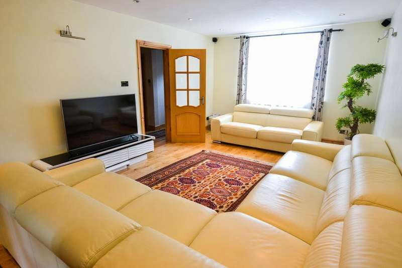 3 Bedrooms House for sale in Cloister Road, London, nw2 2np