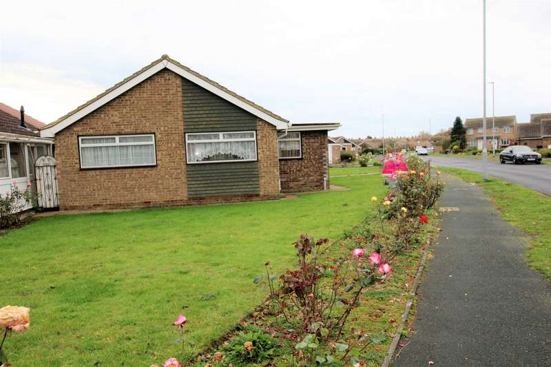 2 Bedrooms Detached Bungalow for sale in Wordsworth Drive, Eastbourne, BN23 7QP