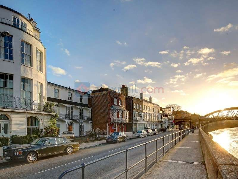 3 Bedrooms Town House for sale in The Terrace, Barnes SW13