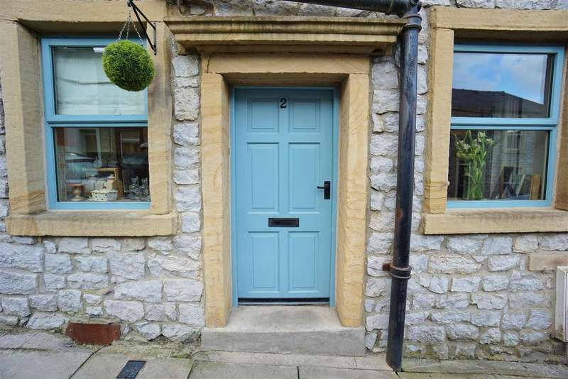 2 Bedrooms Terraced House for sale in St James Street, Clitheroe