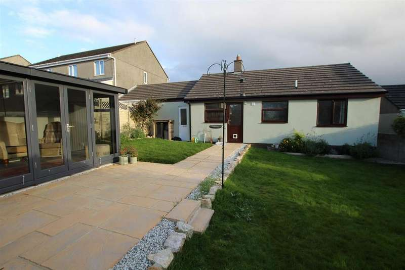 2 Bedrooms Bungalow for sale in Trethannas Gardens, Praze, Camborne