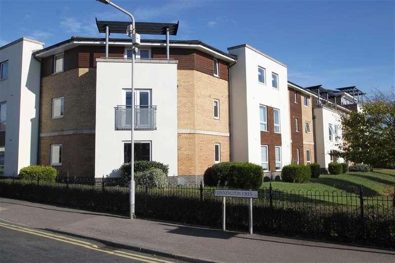 1 Bedroom Flat for sale in Ashton Court, Chingford