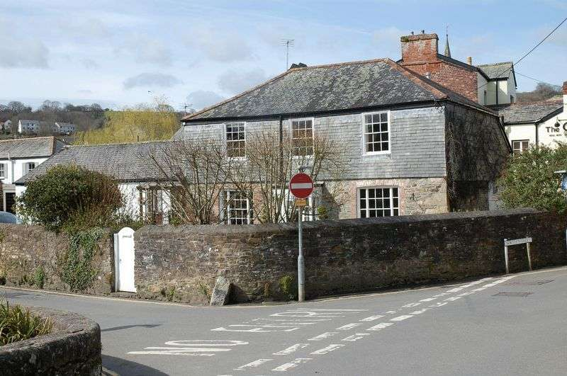 6 Bedrooms Property for sale in The Parade, Lostwithiel